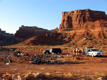 who camps in mountainous desert canyonland?!